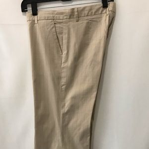 Gap modern fit flare pants. Size 8 ankle.